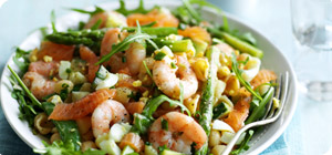 Prawn, salmon and pasta salad with Thousand Island dressing